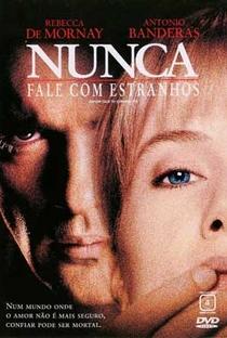Assistir Nunca Fale Com Estranhos Online Grátis Dublado Legendado (Full HD, 720p, 1080p) | Peter Hall (I) | 1995